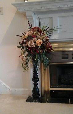 Tuscan design – Mediterranean Home Decor Silk Floral Arrangements, Christmas Arrangements, Floral Centerpieces, Foyer Decorating, Tuscan Decorating, Decorating Tips, Tuscan Style Homes, Tuscan House, Elegant Home Decor