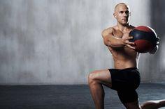 Mit Medizinball-Training zum Sixpack