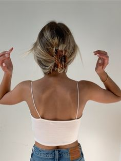 Clip Hairstyles, Summer Hairstyles, Bun Hairstyle, Cute Messy Hairstyles, Wedding Hairstyles, Hair Streaks, Hair Highlights, Brown Blonde Hair, Blonde Honey