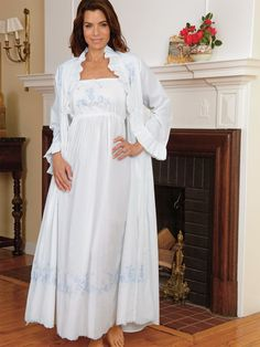 Melanie - Luxury Robes - Styled for the romantically inclined, all this beauty of a gown needs is you Bridal Nightwear, Luxury Nightwear, Nightgown Pattern, Angel Gowns, Fantasy Gowns, Vintage Nightgown, African Traditional Dresses, Pretty Lingerie, 1940s Fashion