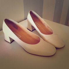 Gorgeous vintage Coach ivory low heels Made in Italy. Authentic vintage classics excellent condition! All leather. Runs a little large. Coach Shoes Heels