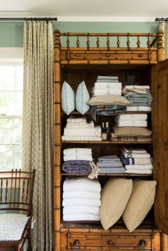 Decorating Resolutions | Organize Your Linen Closet