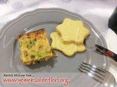 yemeksohbetleri.org'dan farklı ve renkli bir mücver tarifi; RENKLİ MÜCVER KEK http://www.yemeksohbetleri.org/2014/02/renkli-mucver-kek.html #mucver #renklimucver #kek