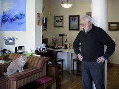 Gonzalo Suárez y su gato