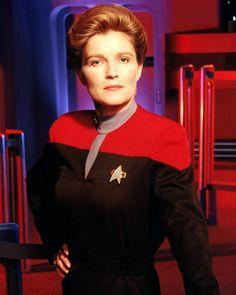Alien females of star trek voyager | Star Trek Women Captain Janeway