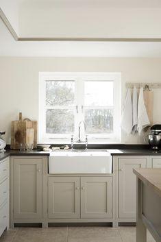 New Kitchen Paint White Cupboards Sinks 34 Ideas Kitchen Paint Colors, Painting Kitchen Cabinets, Beige Kitchen Cabinets, White Cupboards, Kitchen Counters, Gray Kitchen Paint, Revere Pewter Kitchen, Warm Kitchen Colors, Kitchen Islands