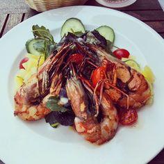 Gambas Salat mit Ananas chuckney. Lecker und gesund. #gesund #health #care #abnehmen #gesundernähren #ernährung #forsummer #bikinibody #abnehmen2016 #looseweight #weightloss #trainhard #eatclean #90daybodychallenge #fitfam  #gesundabnehmen #abnehmen2015 #lowcarb #vitamine #bodychallenge #purekitchen #puredefinition #gesundleben #protein #foodporn #gambas #anans #salat by health.and.care
