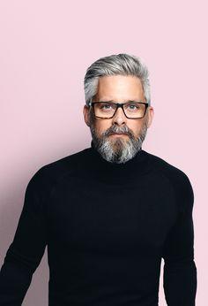 Amateur dating pics men beards glasses