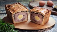 Paul Hollywood's Pies & Puds: Raised pork and egg pie