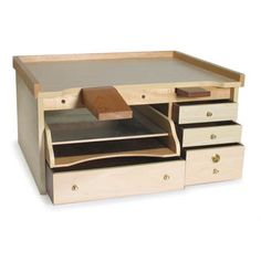 Woodworking Projects For Kids, Woodworking Crafts, Woodworking Plans, Sketchup Woodworking, Woodworking Bar Clamps, Jewelers Workbench, Hobby Desk, Wood Tool Box, Project Table