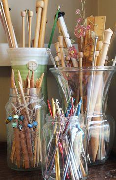 My Collection Of Knitting Needles Someday I'll Make A Case # meine sammlung von stricknadeln eines tages werde ich einen fall machen # ma collection d'aiguilles à tricoter un jour, je ferai un étui Knitting Room, Loom Knitting, Knitting Needles, Knitting Patterns, Knitting Needle Storage, Yarn Organization, Yarn Storage, Storage Jars, Yarn Stash