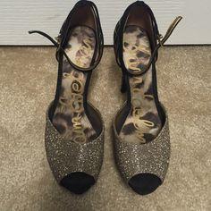 Glitzy Sam Edelman Heels Gold and black super cute detail. Worn 2-3 times. Sam Edelman Shoes Heels