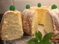 Bizcocho de Maizena y yogur muy esponjoso Pan Dulce, Sweet Recipes, Cake Recipes, Dessert Recipes, Sweets Cake, Cupcake Cakes, Pastry And Bakery, Almond Cakes, Sin Gluten