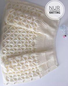 Crochet lace dress pattern free baby girls 35 Ideas for 2019 Diy Crafts Knitting, Knitting For Kids, Baby Knitting Patterns, Knitting Stitches, Crochet Patterns, Lace Dress Pattern, Crochet Lace Dress, Knit Crochet, Crochet Girls