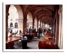 The Place de Vosges/Small shops and fab restaurants