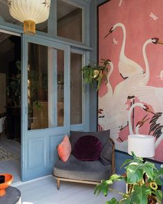 Bold und schöne Tapete#bold #schöne #tapete #und Casa Hipster, Interior Architecture, Interior And Exterior, Deco Design, Design Trends, Cheap Home Decor, Home Design, My Dream Home, Interior Inspiration