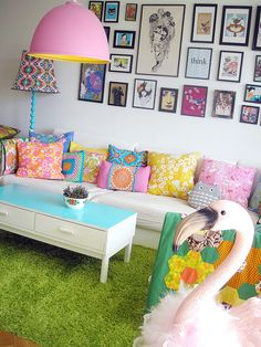 living room, picture wall, sofa, pillows for little girls Indian Bedroom Decor, Casa Retro, Colourful Living Room, Deco Boheme, Ideas Hogar, Dream Rooms, Eclectic Decor, Home Decor Inspiration, Girl Room