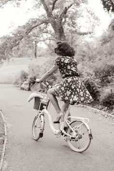 Vintage bike, vintage dress. #bike #vintage