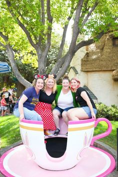 A Girl's Weekend At Disneyland - Alice In Wonderland Teacups Girls Time, Girls Weekend, Disneyland Photography, Disney World Pictures, Girlfriends Getaway, Some Girls, Disney Girls, Teacups, Alice In Wonderland