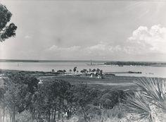 Huelva, lugar de nacimiento de Rogelio Buendía Manzano (Huelva, 14 de febrero de 1891 - Madrid, 27 de mayo de 1969). Poeta español perteneciente a la Generación del 27. Fot. Vista del puerto desde el que partió Colón al descubrimiento de América.