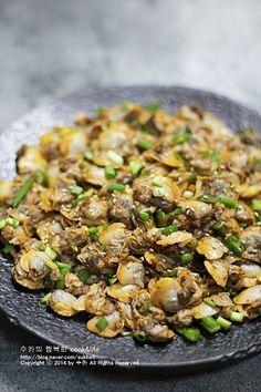 Best Korean Food, Korean Side Dishes, Vegetable Seasoning, Steamed Rice, Kimchi, Food Plating, Asian Recipes, Food And Drink, Pork