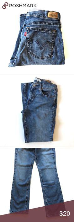 Levi's 527 Low Boot Cut Leg Jeans Excellent condition. Low rise, boot cut leg. Medium wash. Size 30W 30L Levi's Jeans Boot Cut