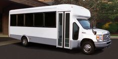 Enjoy Affordable Shuttle Bus Transportation with Metro Limousine & Party Bus Service in Long Island, NY.