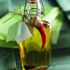 Mausteöljy Christmas Bulbs, Holiday Decor, Gift Ideas, Gifts, Diy, Packaging, Home Decor, Presents, Decoration Home