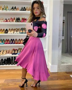 Gostaram do Look ? Short Frocks, Short Gowns, Beautiful Dresses, Nice Dresses, Casual Dresses, African Fashion Skirts, Long Skirt Outfits, Muslim Fashion, Dance Outfits