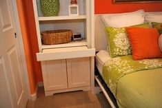 Great idea- pull out ledge for nightstand Murphy Bed Design Ideas, Pictures, Remodel and Decor