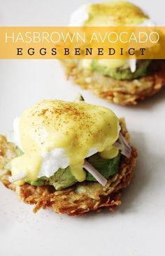 We're obsessed with brunch food. We love brunch food so much, we'd eat it for dinner. So that's exactly what we did, we made it for dinner! We were craving it, benedict Hashbrown Avocado Eggs Benedict Avocado Eggs Benedict, Eggs Benedict Recipe, Egg Benedict, Eggs Benedict Healthy, Eggs Benedict Casserole, Breakfast Casserole, Breakfast Recipes, Mexican Breakfast, Avocado Egg Breakfast