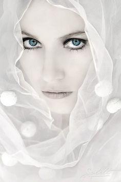 White: #White lady.