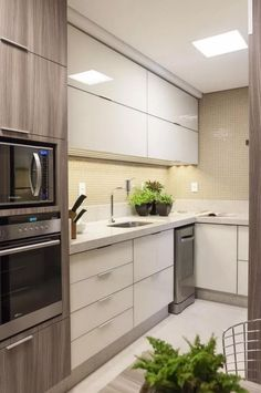 Luxury Kitchen - Regardless of whether you're planning for a move to another house or you essentially need to a kitchen redesign, these astounding kitchen Minimalist But Luxurious Kitchen Design thoughts will prove to be useful. Modern Kitchen Cabinets, Kitchen Cabinet Design, Interior Design Kitchen, Kitchen Flooring, Island Kitchen, Interior Ideas, Kitchen Sets, Home Decor Kitchen, Rustic Kitchen