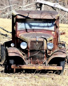 If old rusty cars & trucks could talk. Vintage Trucks, Old Trucks, Pickup Trucks, Abandoned Cars, Abandoned Places, Abandoned Vehicles, Classic Trucks, Classic Cars, Automobile