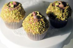 Chocolate, Coffee and Pistachio cupcakes. Pistachio Cupcakes, Chocolate Coffee, Party Cakes, Beautiful Cakes, Cake Pops, Macarons, Yorkshire, Wedding Cakes, Muffin