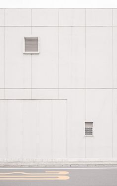 50 ideas house aesthetic white for White Wallpaper, Wallpaper Backgrounds, Aesthetic Iphone Wallpaper, Aesthetic Wallpapers, Minimal Photography, White Aesthetic Photography, Gray Aesthetic, Foto Art, Exterior Colors