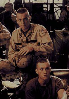 """Ewan McGregor en """"Black Hawk Derribado"""" (Black Hawk Down), 2001"""