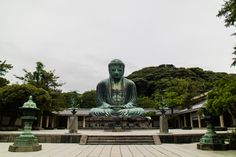 The Great Buddha of Kamakura - As imposing as reassuring. Wait for receive the message when there is no one there...