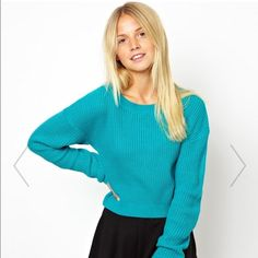 NWOT ASOS green crop knit sweater Green crop knit sweater from ASOS, new without tags. Took the tags off when I tried it on, but never ended up wearing it out so I'm selling it. Really comfortable and cute! Size US 4, but I'm a size 2 and it fits like how it looks on the model. So I would say it fits XS - S. ASOS Sweaters Crew & Scoop Necks