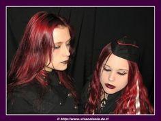 Xenia von Drachenfels und Corinne - Gothic - Klicken für originalgröße