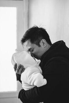 Newborn photographer - London family photographer - Sarah Morris - London Wedding Photographer