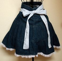 f575d22947a  Petite to Plus Size Denim and Lace Half Apron  is going up for auction