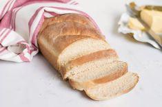 Super Easy Homemade Bread for Beginners Basic Bread Recipe for Beginners Loaf Bread Recipe, Basic Bread Recipe, Yeast Bread Recipes, Bread Machine Recipes, Baking Recipes, Cake Recipes, Sandwich Recipes, Fresh Yeast Bread Recipe, Bread Machines