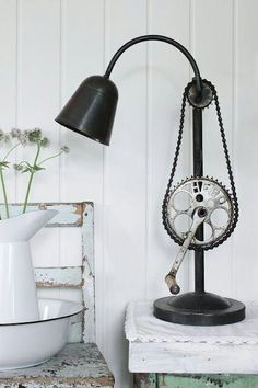 Cranck Lamp -  @Stephanie Close Close Close Danielson... looks vaguely familiar!!