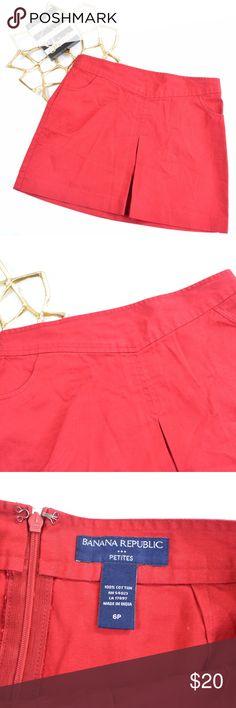 """Banana Republic Petites Women's Red Mini Skirt Banana Republic Petites Women's Red Mini Skirt. Has some fading.   Size 6P  Waist: 31.5"""" Length: 15.25"""" Skirts Mini"""