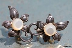 Vintage 1950's Hand Wrought 925 Sterling Silver Mother of Pearl Clip Slip On Earrings
