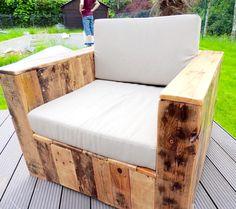Chair, Pallet Furniture {Build a Patio with Pallets} | 101 Pallets cashforpalletsmanchester.com