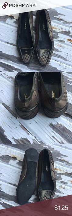 Classic Burberry flats These classic Burberry flats are comfortable and stylish. In very good condition. Some wear on soles. Perfect for business or casual affair. These are authentic. Burberry Shoes Flats & Loafers