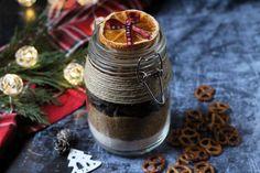 Brownie üvegből - gasztroajándék karácsonyra - Városi konyha V60 Coffee, Baking, Advent, Festive, Fun, Halloween, Bakken, Backen, Sweets