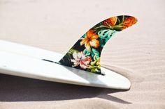 surfboard fin art // decorated surf fins // classic surf design // beach life // beach house // surfing lifestyle